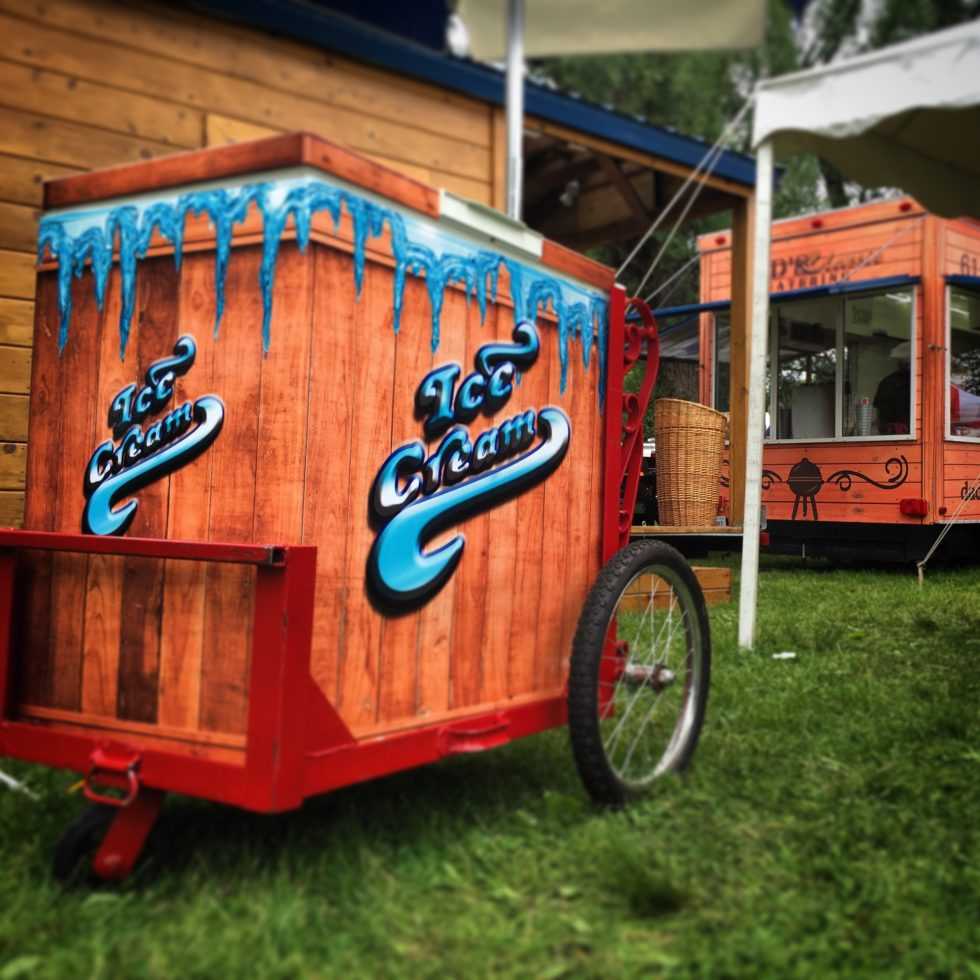 Side shot of ice cream cart