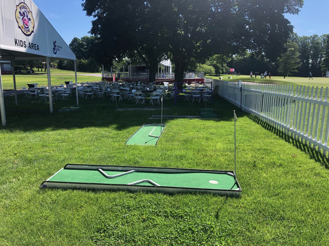 Mini golf course rental