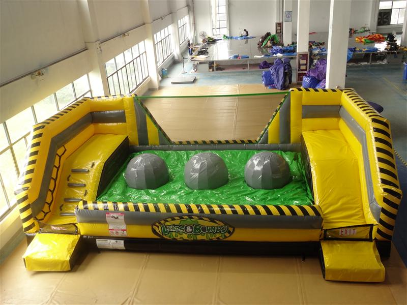 Inflatable interactive big baller