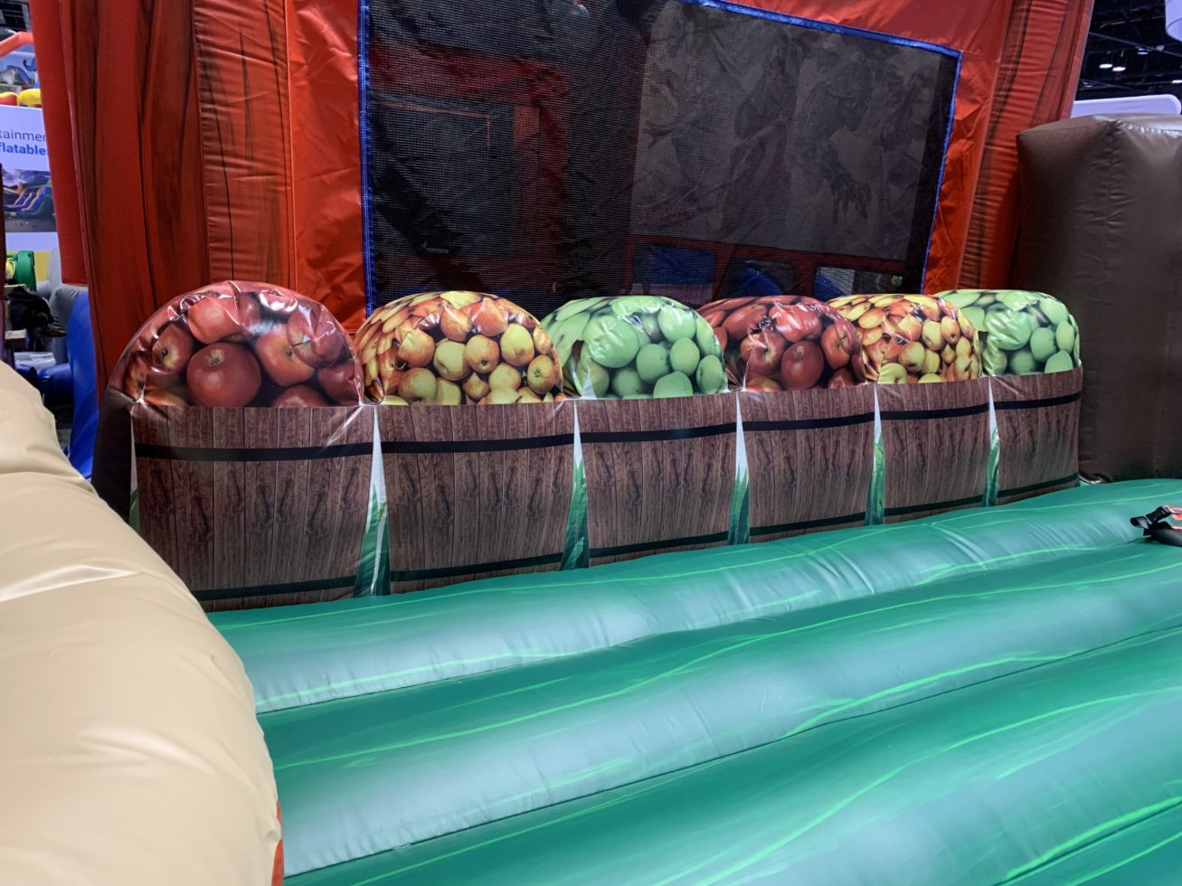 bobbing for apples game side shot
