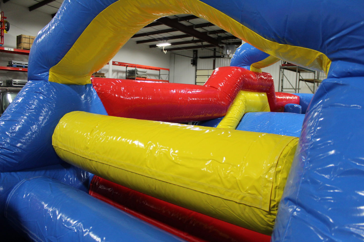 squeeze bars in 33' obstacle course