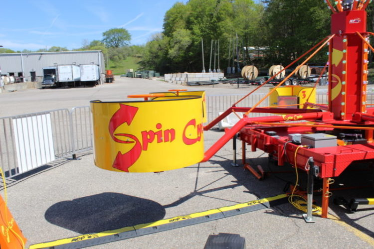 Spin cycle carnival ride tub